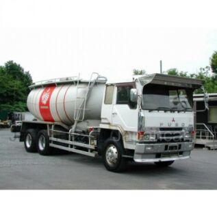 Цементовоз Mitsubishi Fuso 1996 года во Владивостоке