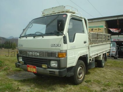 Бортовой TOYOTA Hiace Truck 1992 года во Владивостоке