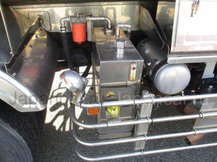 Цистерна UD TRUCKS QUON 2006 года во Владивостоке