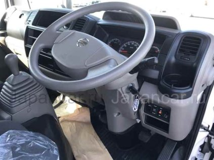 Фургон Nissan ATLAS 2016 года во Владивостоке