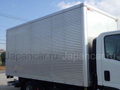 Фургон ISUZU ELF 2014 года в Японии