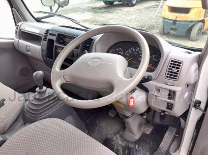 Фургон TOYOTA DYNA 2006 года во Владивостоке