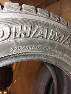 Зимние шины Yokohama Geolandar i/t s 225/65 17 дюймов б/у во Владивостоке