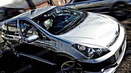 Реснички на Toyota Wish во Владивостоке