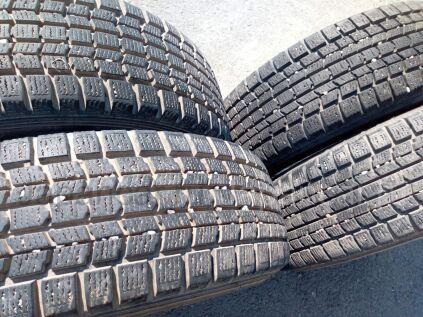 Зимние шины Dunlop Grandtrek sj7 215/65 16 дюймов б/у в Челябинске