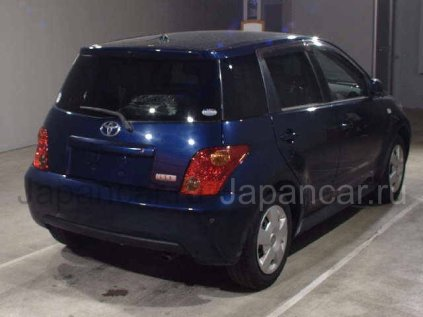 Toyota Ist 2003 года во Владивостоке