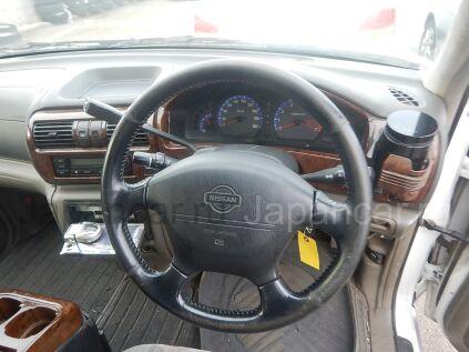 Nissan R'nessa 1999 года во Владивостоке