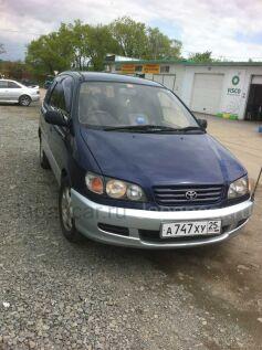 Toyota Ipsum 1997 года во Владивостоке