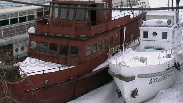 яхта моторная 2005 года