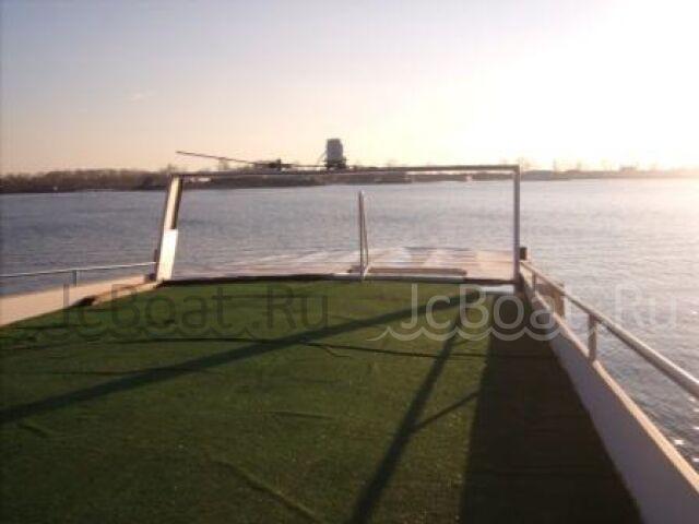 яхта моторная Моторная яхта