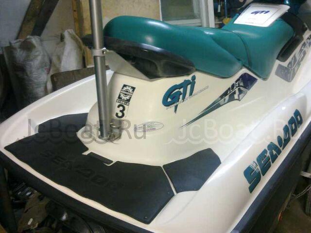 водный мотоцикл SEA-DOO GTI  2001 года