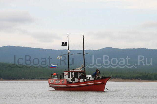 яхта моторная VOLVO PENTA 1990 года