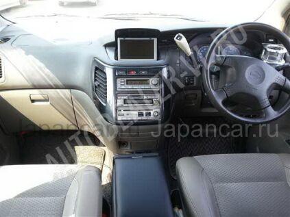 Nissan Elgrand 2001 года в Японии