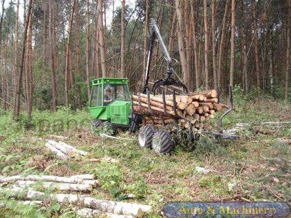 Лесовоз AFA 40 2014 года во Владивостоке