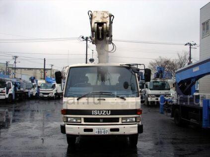 Автовышка Isuzu 1991 года во Владивостоке