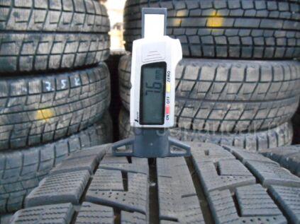 Зимние шины Bridgestone Blizzak revo2 195/55 15 дюймов б/у во Владивостоке