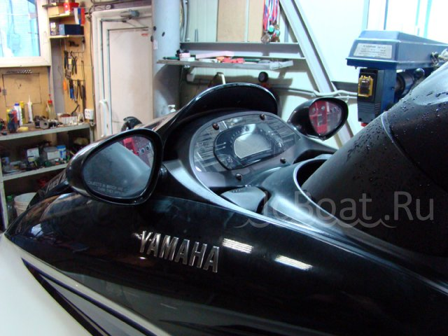 водный мотоцикл YAMAHA WAVERUNNER 1200 2004 года