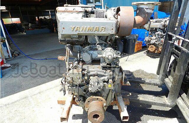 мотор стационарный YANMAR 6CX-ET 2001 года
