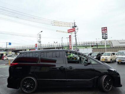 Toyota Estima 2014 года во Владивостоке