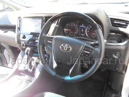 Toyota Alphard 2015 года во Владивостоке