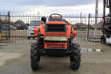 Трактор колесный Kubota GT3D