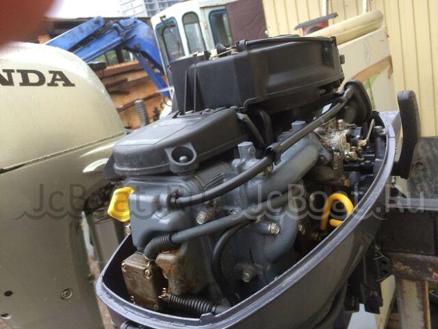 мотор подвесной YAMAHA 2005 года