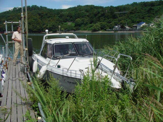 яхта моторная 2000 года
