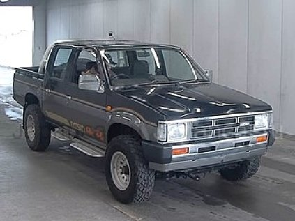 Nissan Datsun 1989 года во Владивостоке
